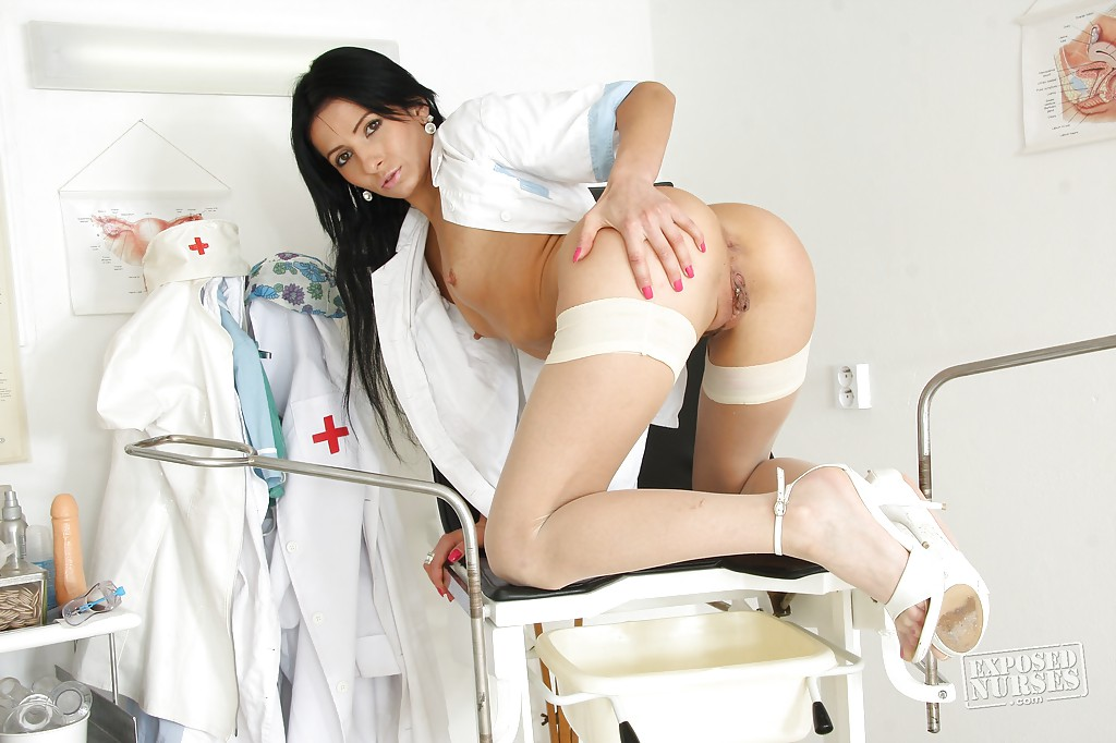 nude-pictures-of-hot-nurses