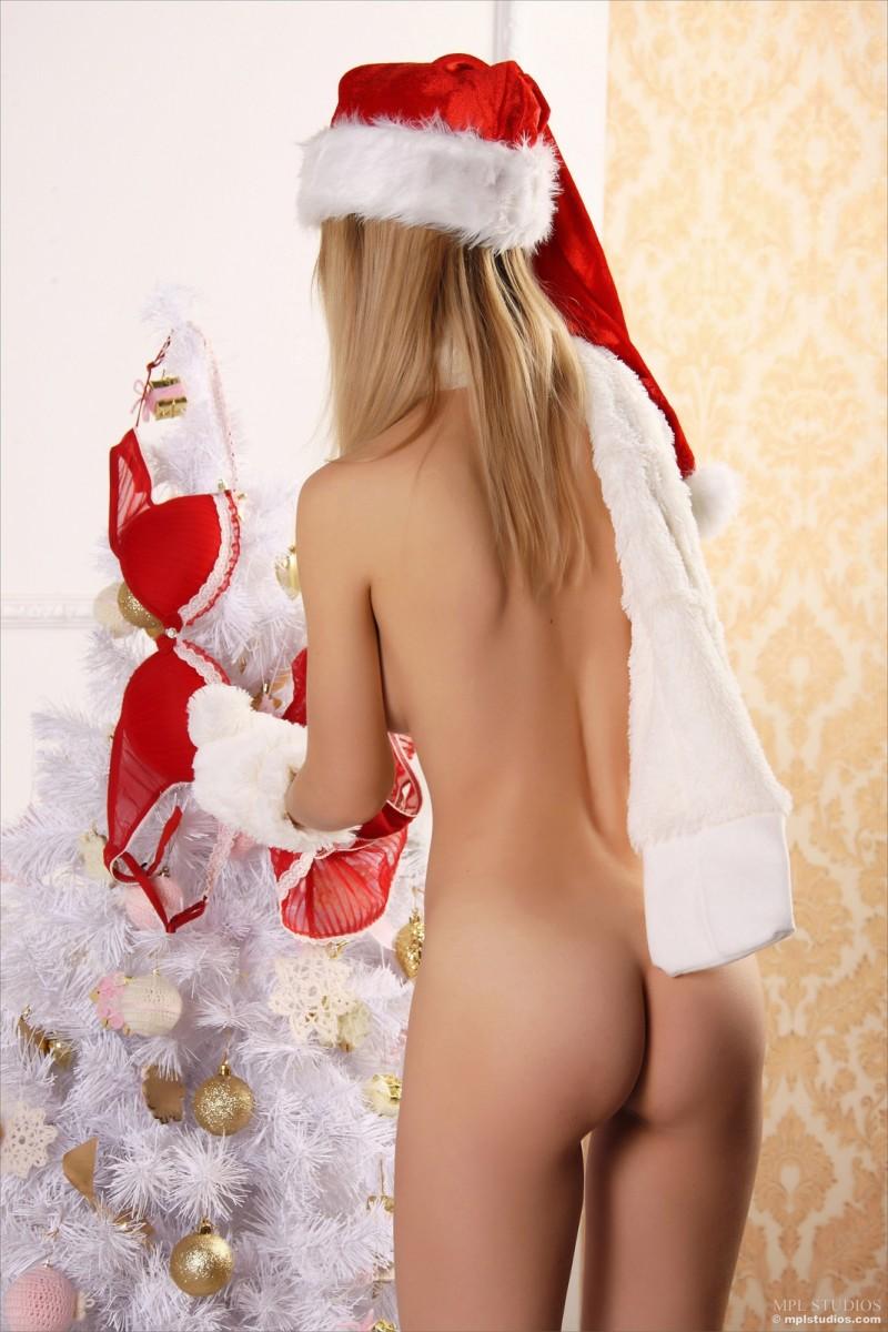 Topless Sexy Nude Christmas Girls Photos