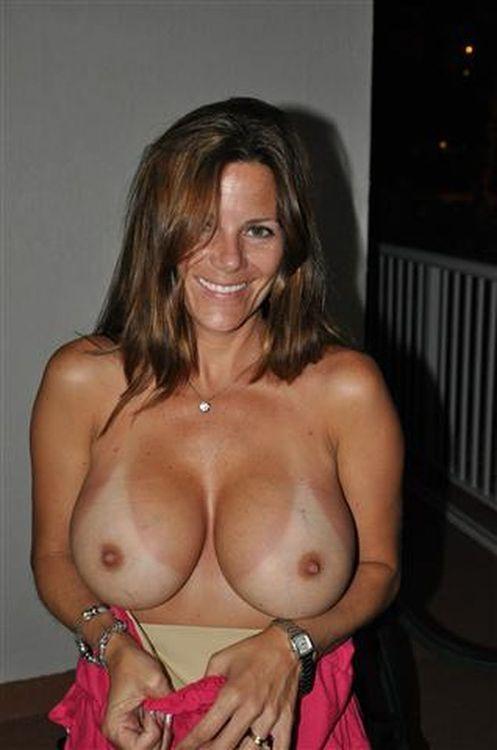 Amateur Small Tits Cumshot