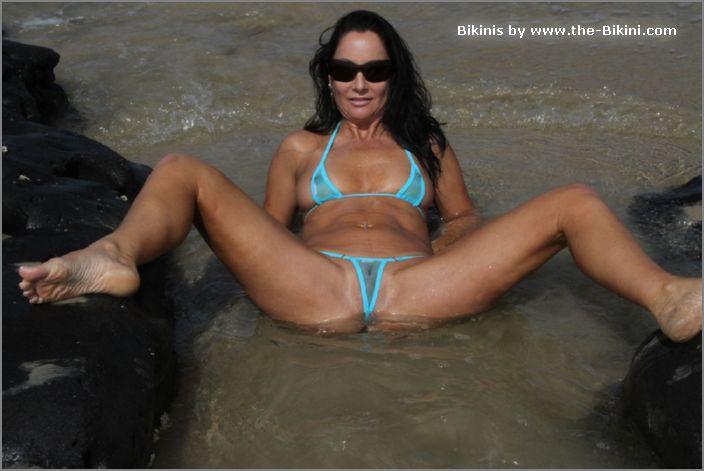 megaupload Bikini dare