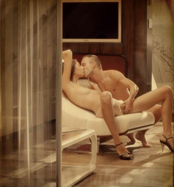 Couples-lie-back-and-enjoy-e1355675243190.jpg