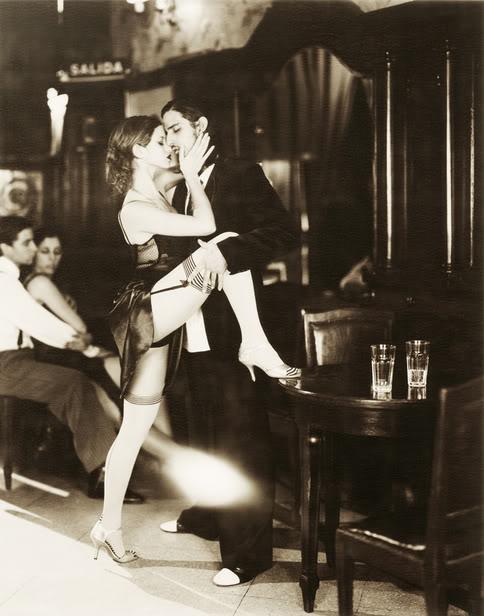 Couples-tango-embrace.jpg
