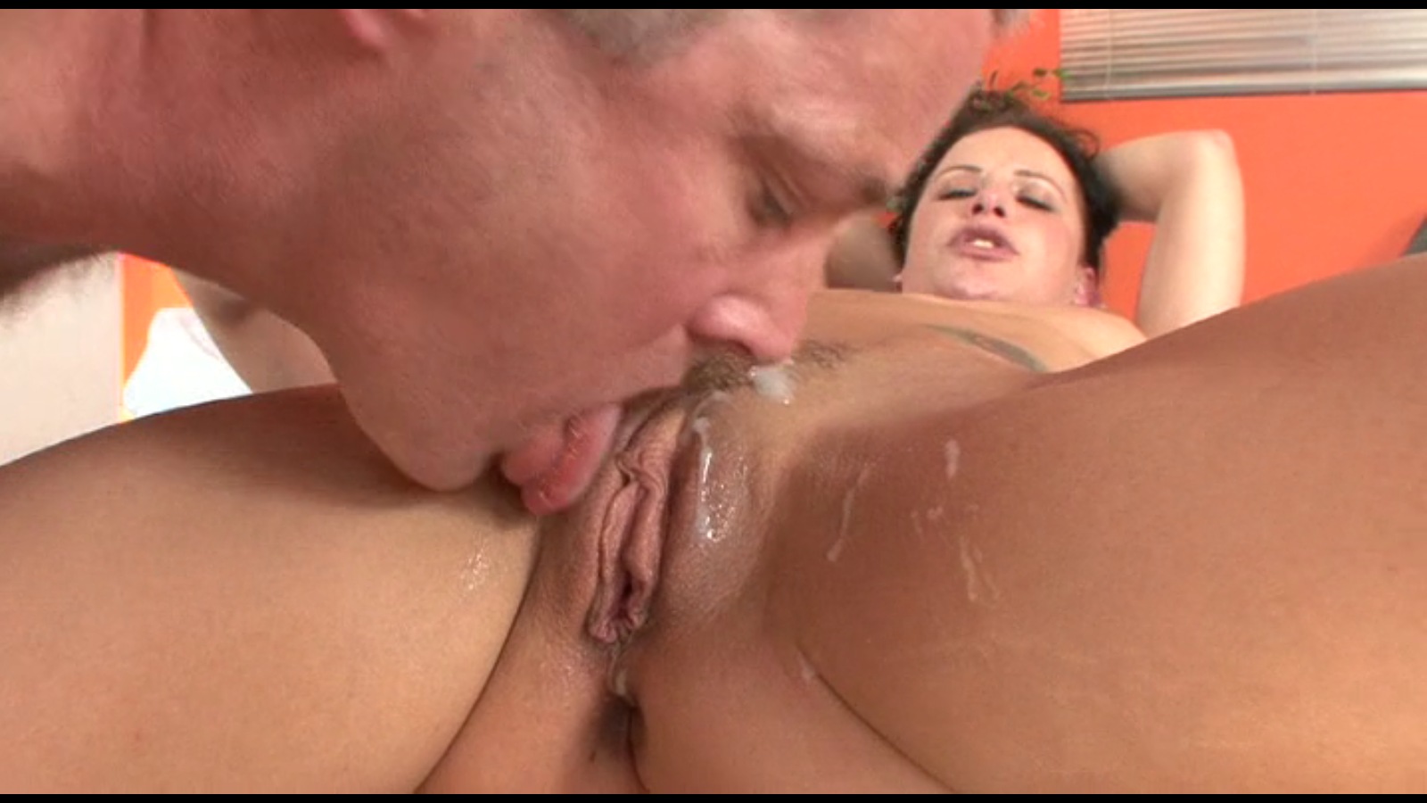 Amateur eating cream pie movie