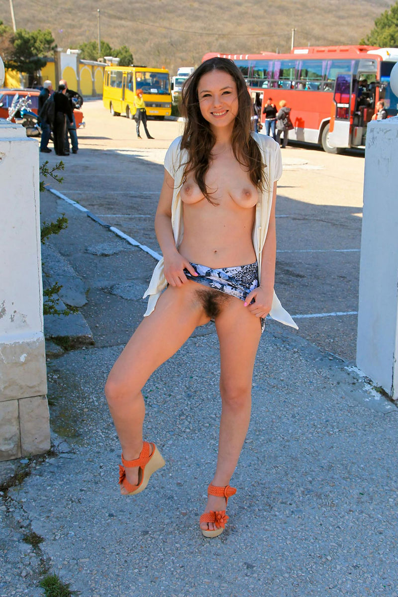 teens-flasher-picture-gallery-jr-high-school-girls-group-bikini