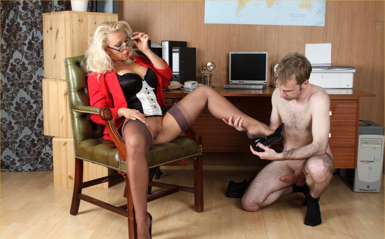 office-nylon-sex-lola-poon-pic
