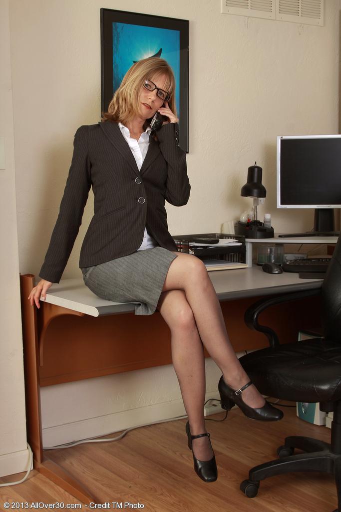 Секс с молодой секретаршей грудастой — pic 10