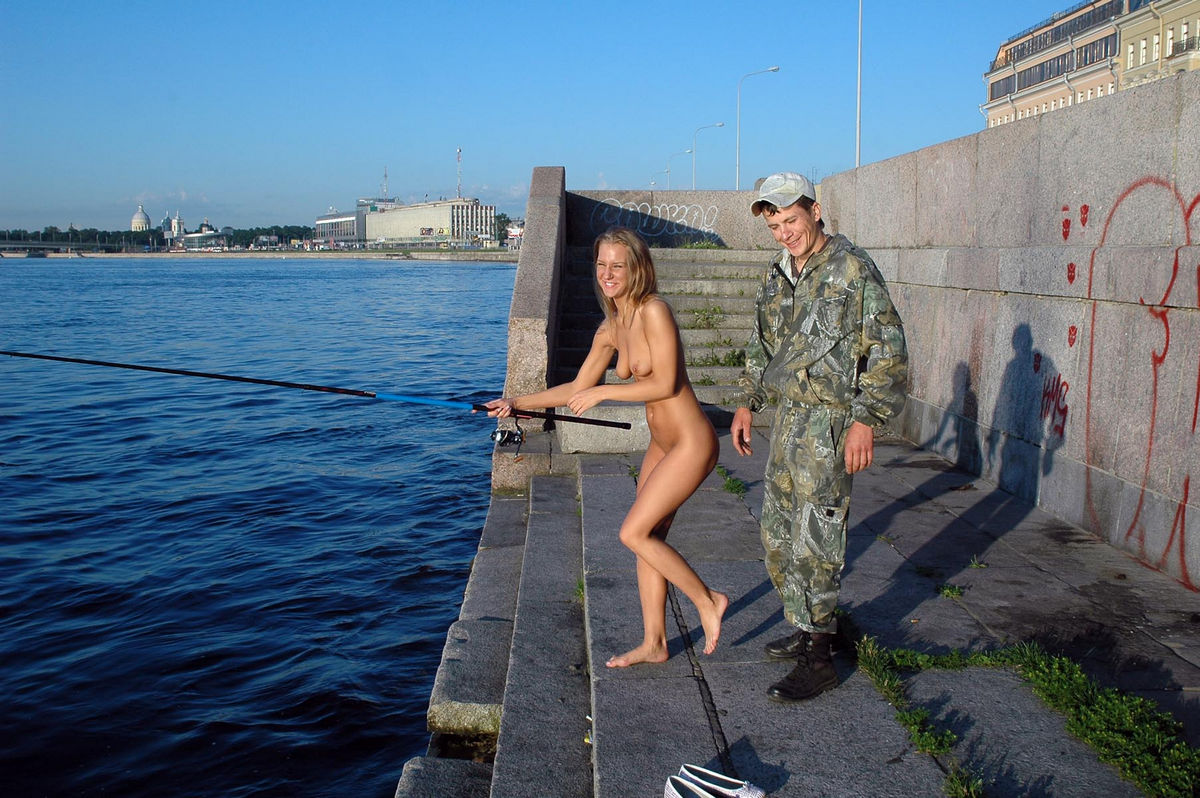 Naked fish review, famous female actress and singers naked