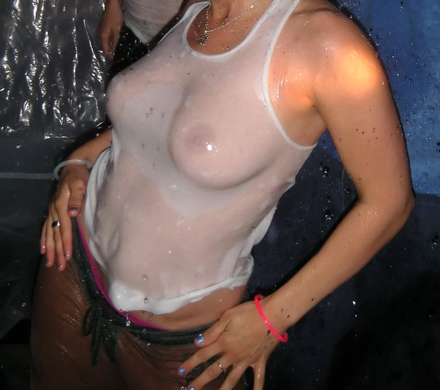 Wet shirt blowjob, naked pics of david nugent